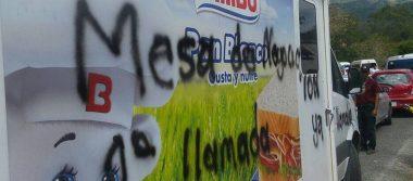 Con pintas y bloqueos, maestros exigen reconstrucción en Chiapas