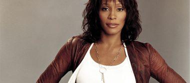 "Revelan ""romance secreto"" entre Whitney Houston y su asistente"