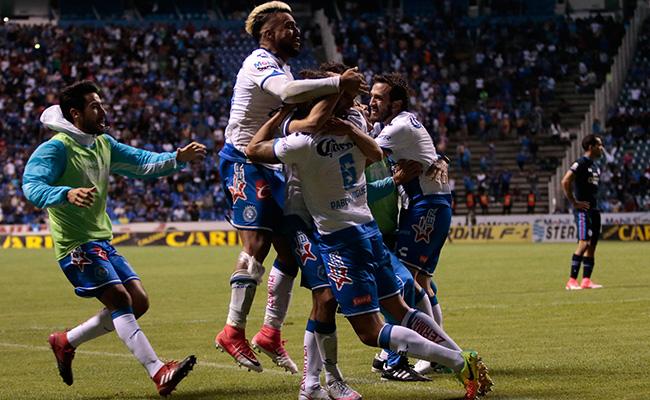 Con gol de último minuto, Puebla vence al Cruz Azul