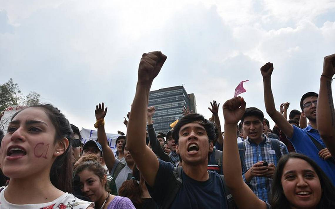 Se van a paro 14 planteles de la UNAM para alzar la voz por los 43 normalistas de Ayotzinapa