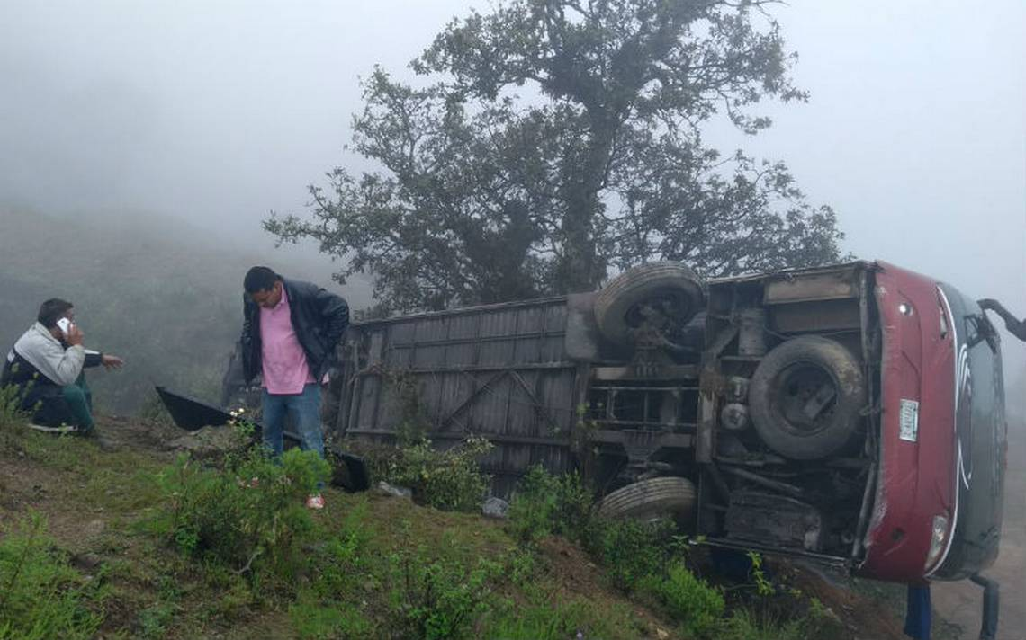 Se accidenta Banda Machos en la Sierra Negra de Puebla