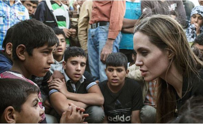 Angelina Jolie arremete en The New York Times contra veto de Trump