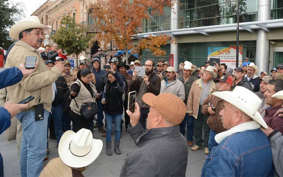 Zafarrancho en el Congreso de Chihuahua; barzonistas golpean a diputada