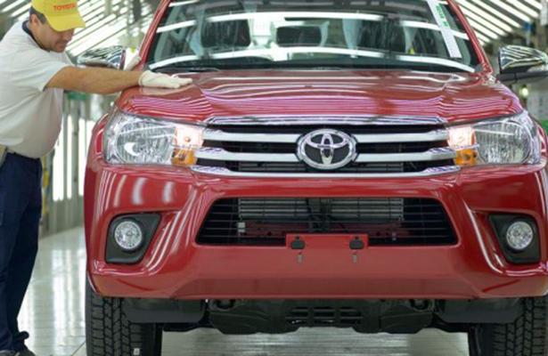 Toyota invertirá al menos 10 mil millones de dólares en Estados Unidos hasta 2022