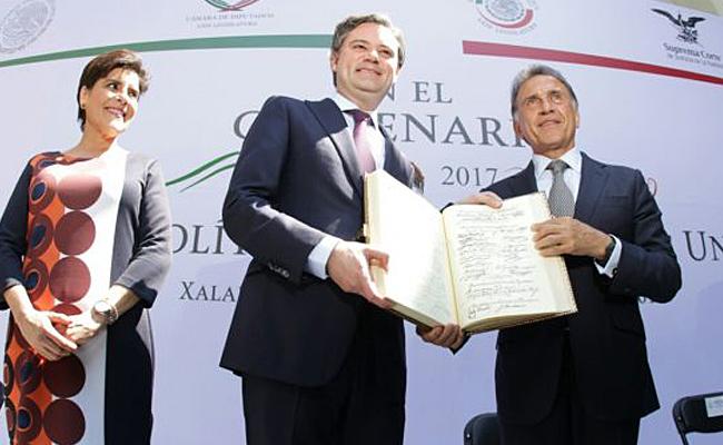 Exhorta Yunes Linares a fortalecer el estado de derecho