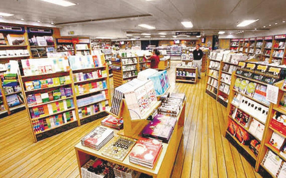 Reciben con mariachi a la librería flotante mas grande del mundo en Veracruz