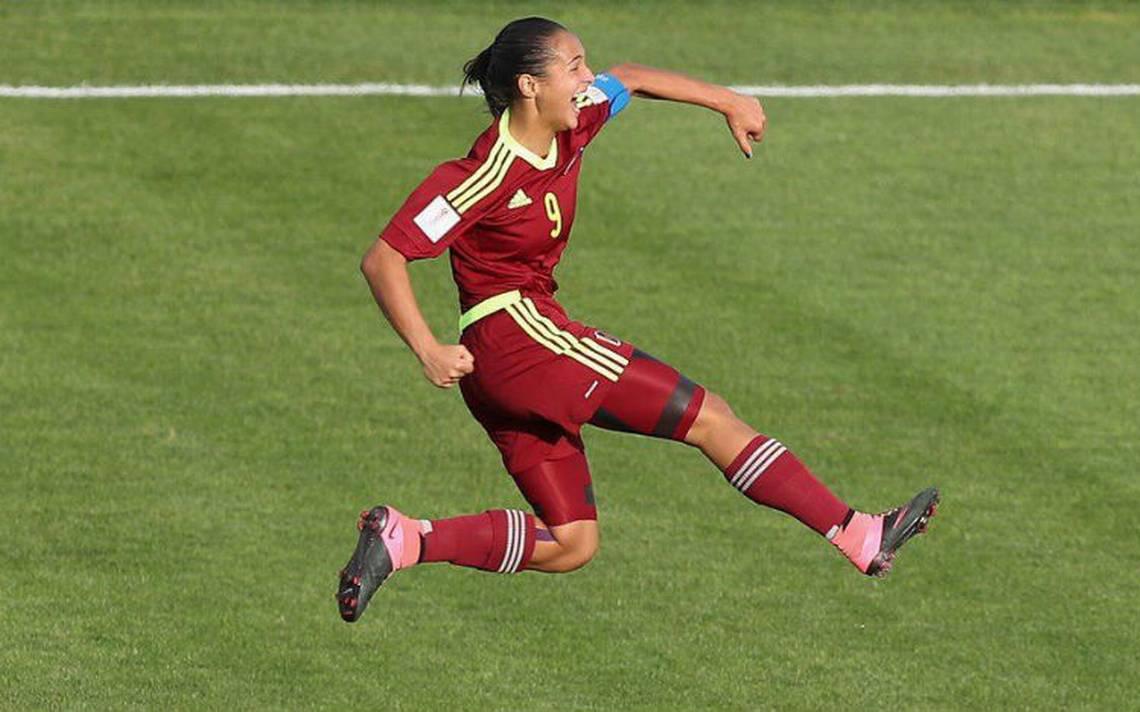 """Castellanos se une a la pelea por el premio """"The Best"""" de la FIFA"""
