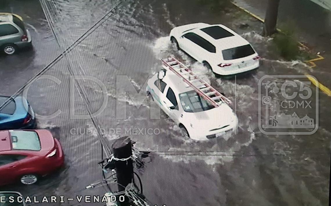 Lluvia y granizo provocan cuatro encharcamientos en Tláhuac