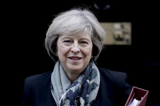 Theresa May explorará un acuerdo comercial con el presidente Trump
