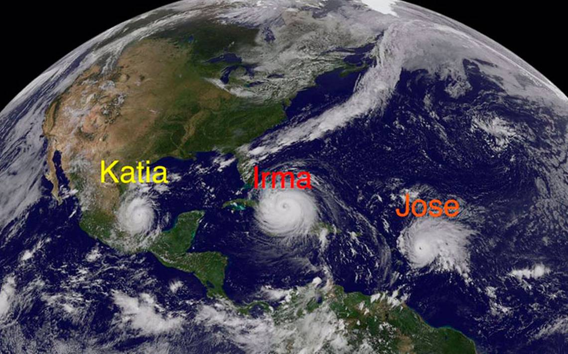 Tres huracanes amenazan a Florida, las Antillas y México