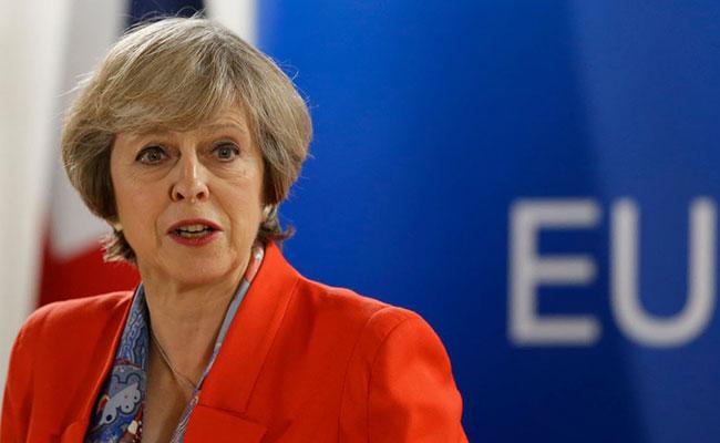Ordena May a sus ministros de Exteriores e Interior hablar con EU