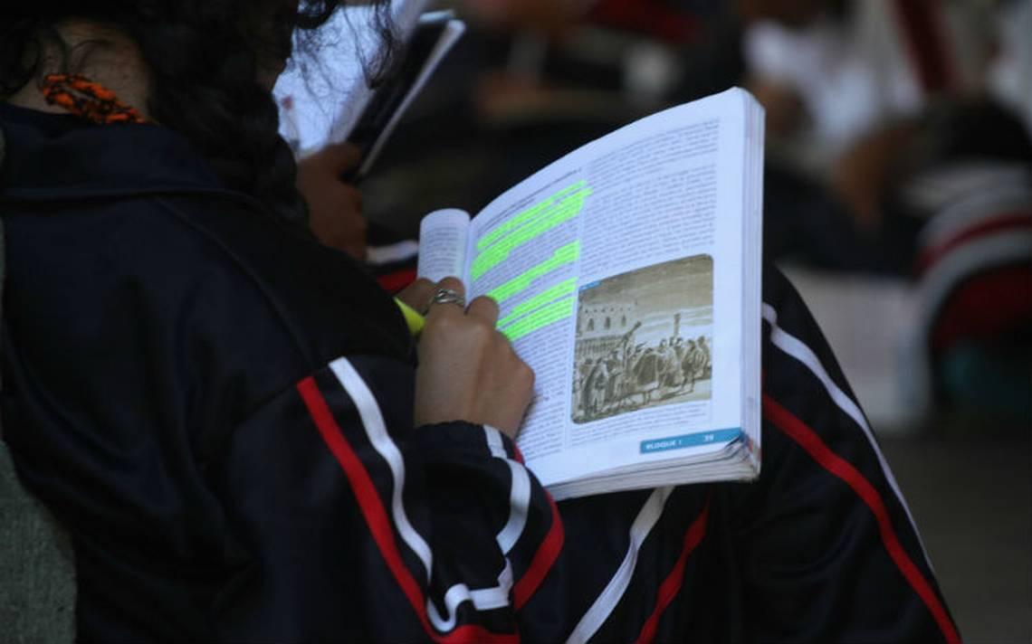 Pese a huelga de la CNTE, escuelas públicas abren casi  a la totalidad