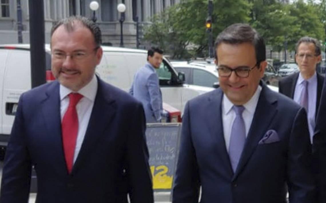Peña Nieto reconoce a Guajardo y Videgaray por trabajos del TLCAN con EU