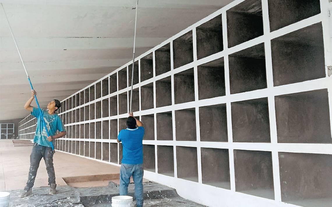 Trabajan a marchas forzadas para terminar el detallado en panteón municipal de El Salto
