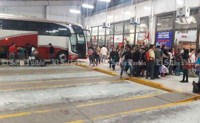 Canceladas corridas de autobuses en Puebla y en Juárez