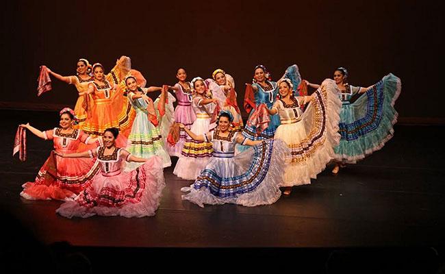 Presentan en Toronto orígenes y  diversidad del baile folclórico mexicano