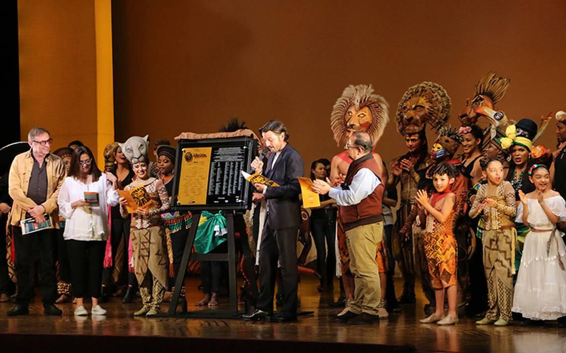 Celebran 800 representaciones del musical El Rey León