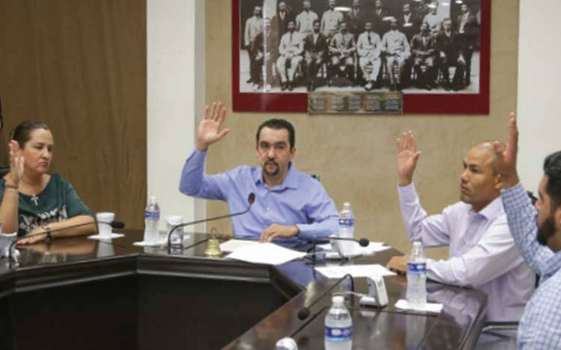 Pavlovich con poderes en Sonora; aprueban el veto a leyes