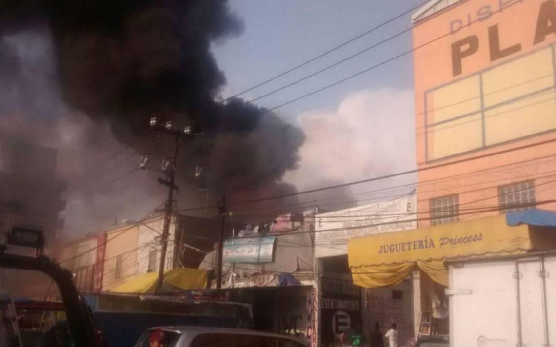 Incendio en bodega de juguetes moviliza a bomberos capitalinos