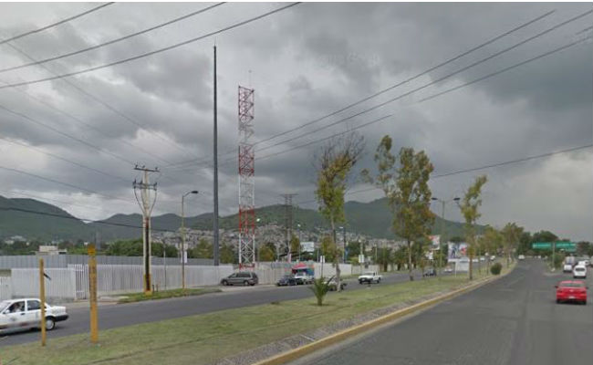 Bala perdida hiere a funcionario en La Paz