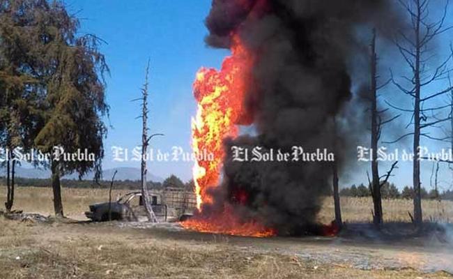 Reportan otro incendio en ducto de Pemex en Puebla
