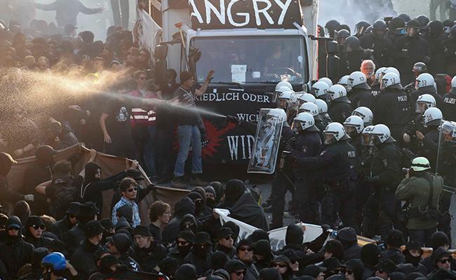 Enfrentamiento en Hamburgo con manifestantes deja 76 policías heridos
