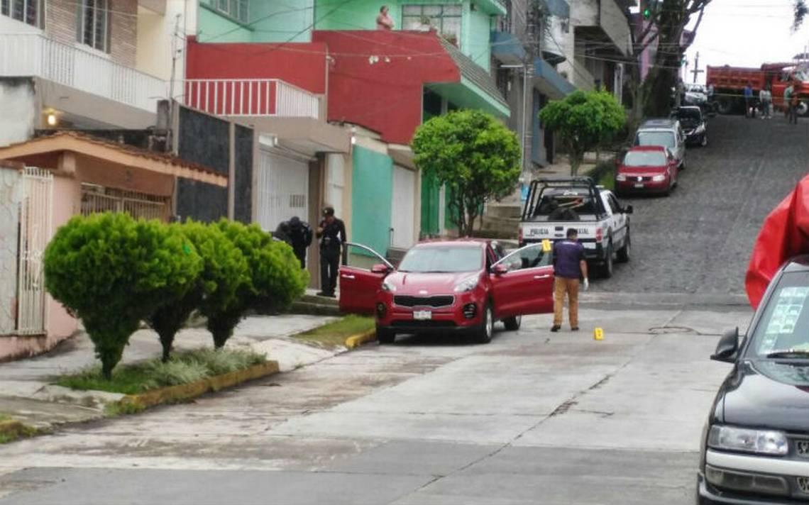 A balazos asesinan a maestro en Xalapa; agresor huye