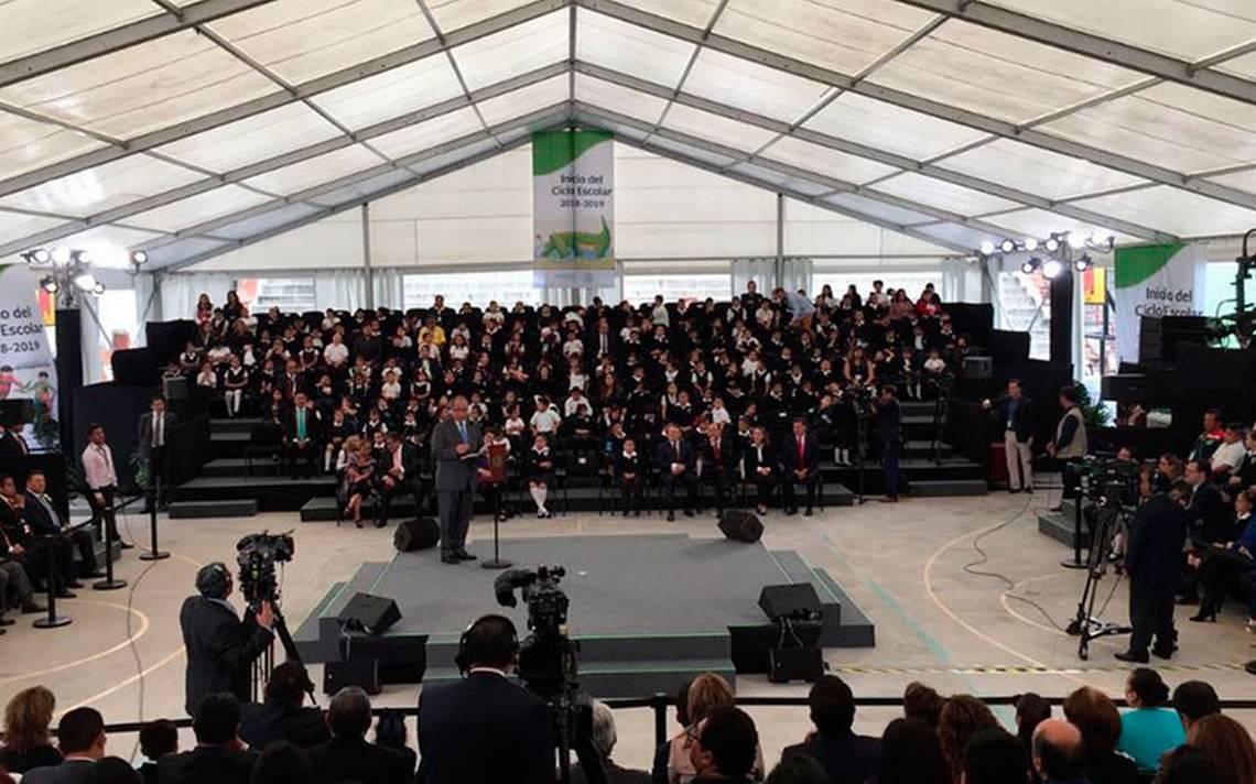 Por primera vez en su sexenio, Peña Nieto no acude a ceremonia del inicio de clases