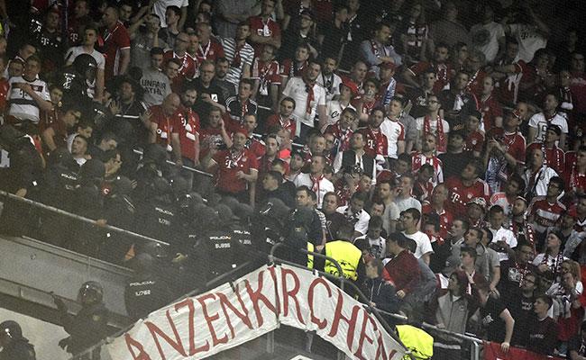 Aficionados del Bayern y policía se enfrentan en el Bernabéu