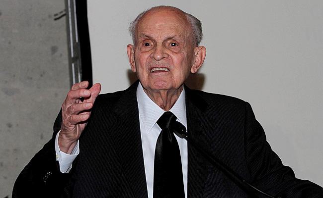 Peña Nieto asiste a funeral del empresario Lorenzo Servitje
