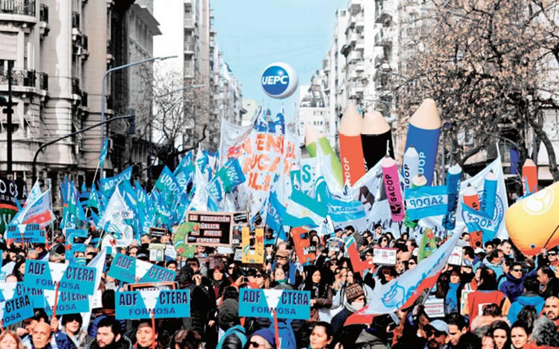 Tensión en Argentina: Ola de despidos en agencia de noticias