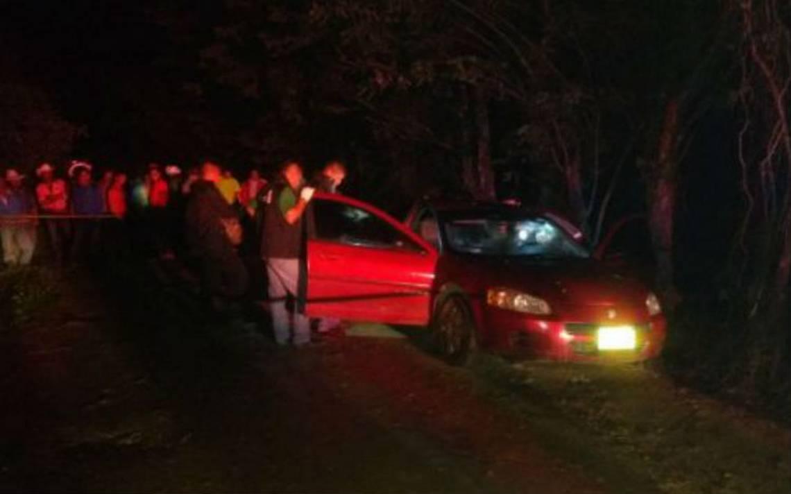 Encuentran dos cuerpos dentro de vehículo en Las Choapas