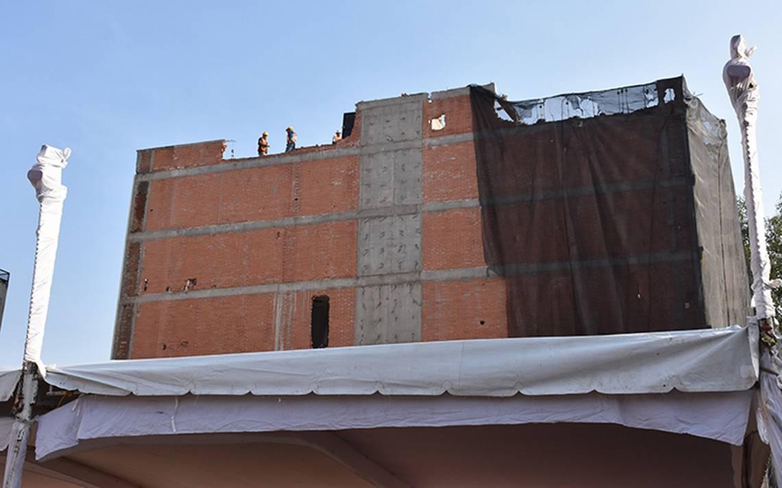 Entregan a damnificados del 19S en Benito Juárez precertificados de reconstrucción