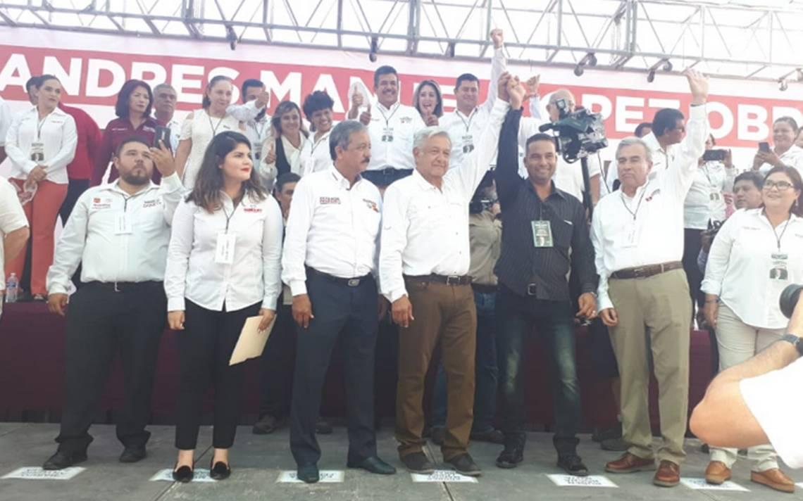 Trabajaré con EPN para enfrentar políticas contra inmigrantes: AMLO