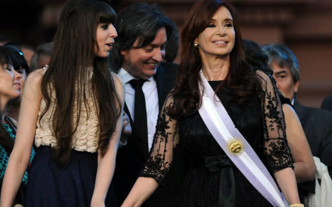 Procesan a expresidenta Cristina Kirchner  y sus dos hijos por lavado de dinero