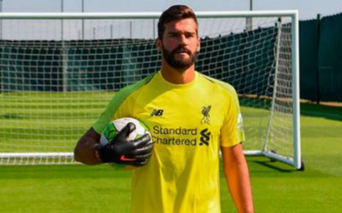 ¡El más caro de la historia! Portero Alisson Becker ya es del Liverpool