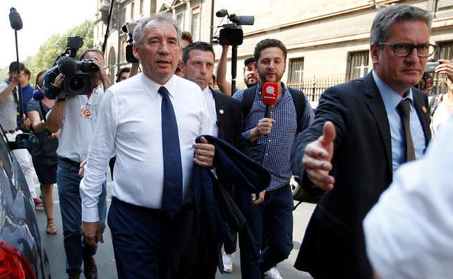 Renuncian otros dos ministros de partido aliado de Macron enFrancia: fuente