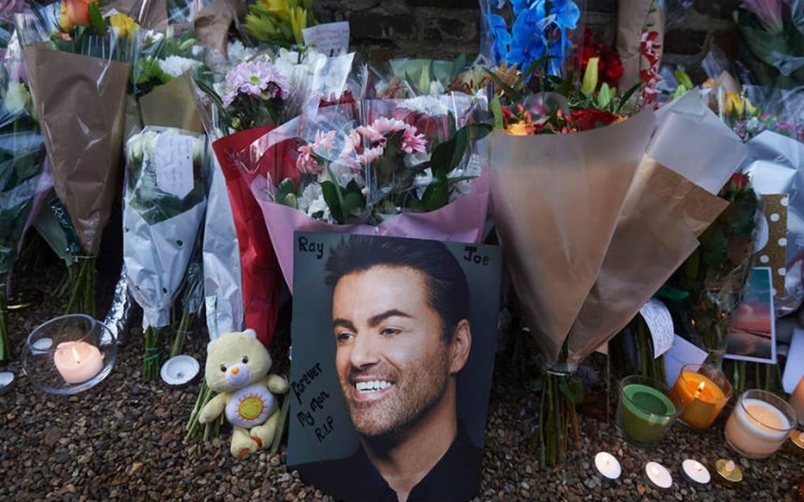 Familia de George Michael pide retirar tributos frente a sus viviendas