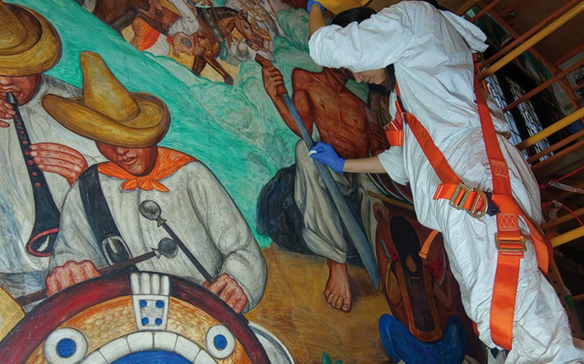 Murales pintados por discípulo de Diego Rivera son restaurados en EU