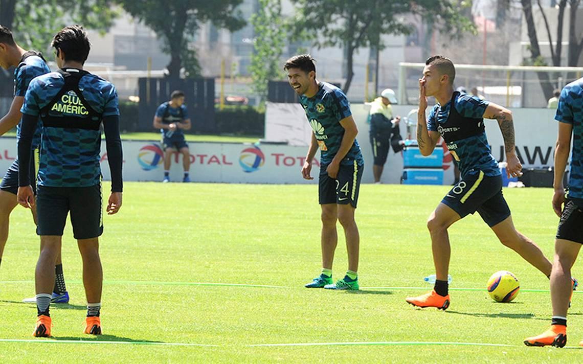 La baja de juego de Oribe Peralta se debe a la presión de la Selección