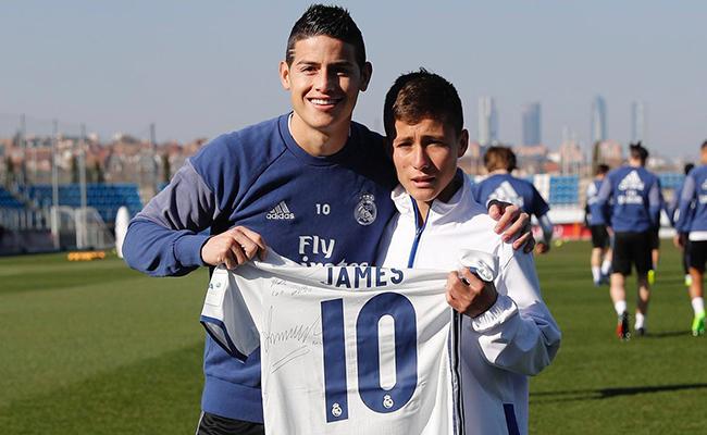 Real Madrid recibe a niño que ayudó al rescate del Chapecoense