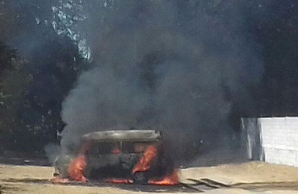 Queman en Tlalcuapan camioneta en protesta por inseguridad