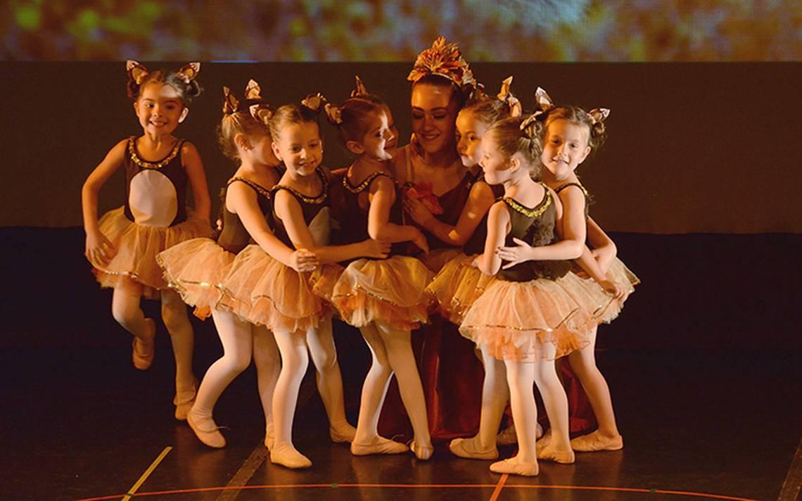 La academia de baile Let´s Dance Studio celebró la clausura de ciclo en el Teatro de la Danza