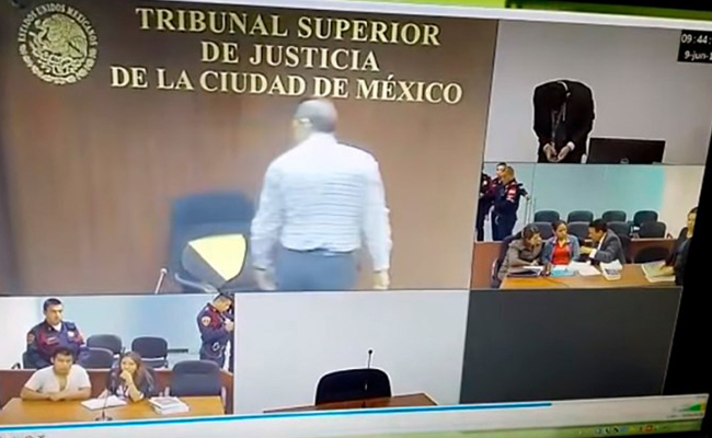 [Video] Por berrinche suspenden tres meses a Juez que rompió su silla