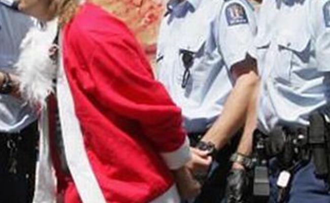 """¡Arrestan a """"Santa Claus"""" por vender drogas en Florida!"""