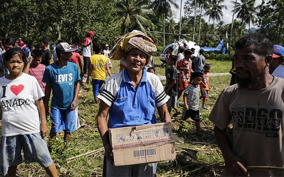 Ascienden a 1,649 los muertos en Indonesia; imponen restricciones a la ayuda internacional