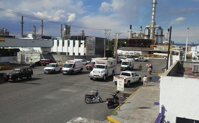 Muere trabajadora tras explosión de refinería en Salamanca