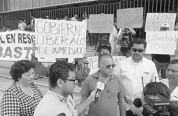 Desalojan plantón de empresarios de la Torre Chiapas
