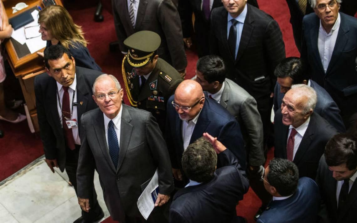 Congreso de Perú rechaza destitución del presidente Kuczynski