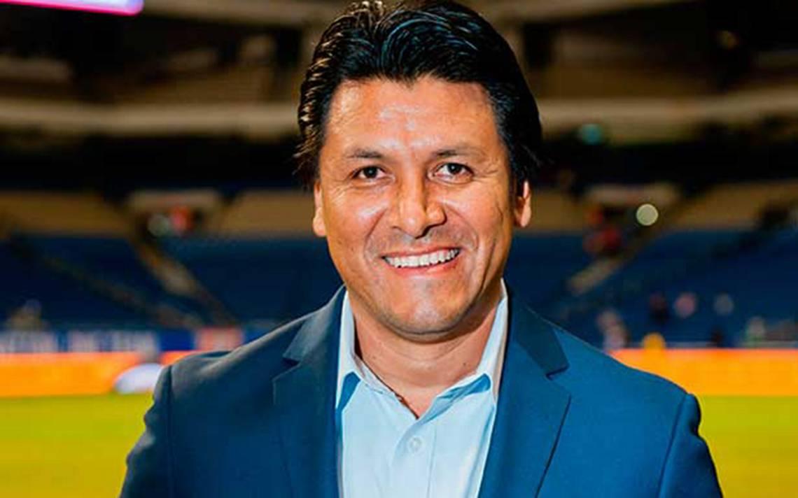 Claudio Suárez espera que las Chivas den batalla en el Clásico